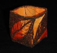 Machine-embroidered tea-light